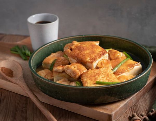 Braised fried tofu with chicken and shrimp roe