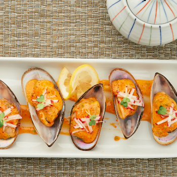 Recipe Baked Mussels with Sriracha Mayo